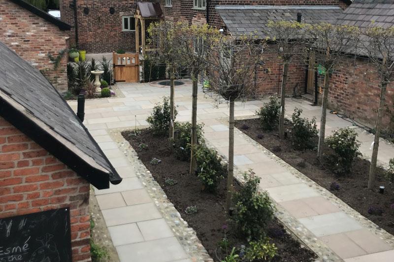 Yew Tree Farm Courtyard